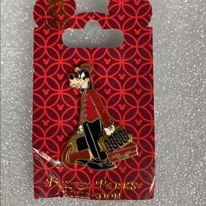 Disney Goofy Suitcase Pin New